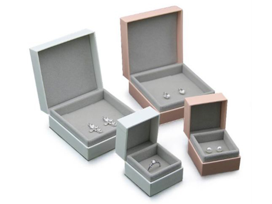 Velvet boxes for jewellery