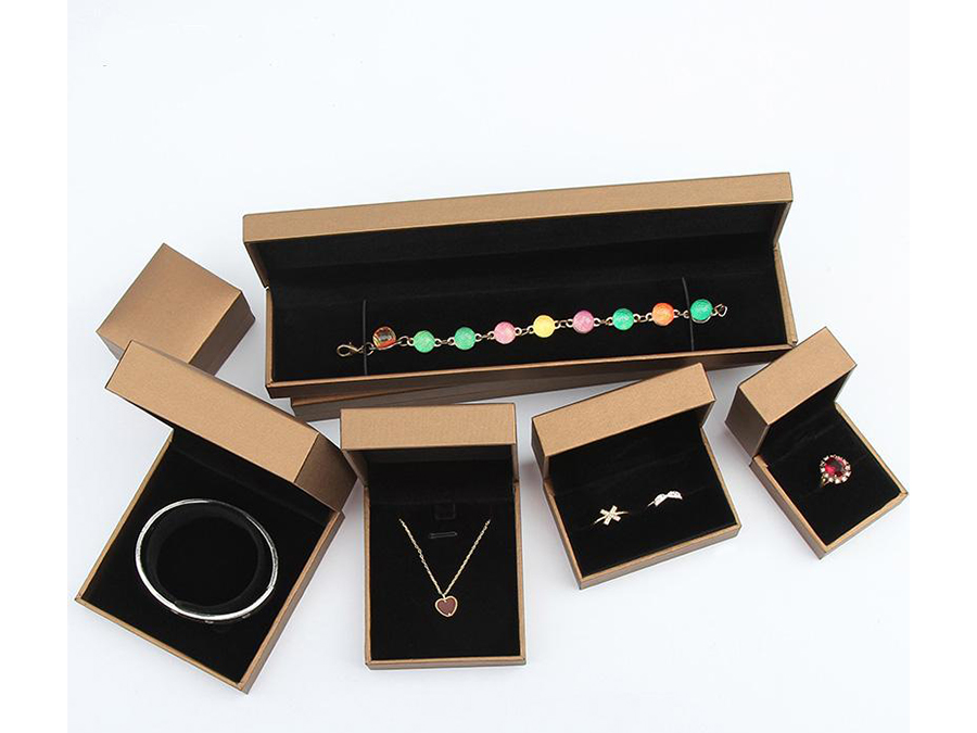 Wholesale set boxes of jewelry