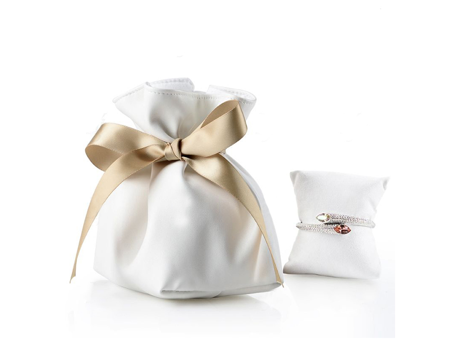 luxury pouch with pillow insert